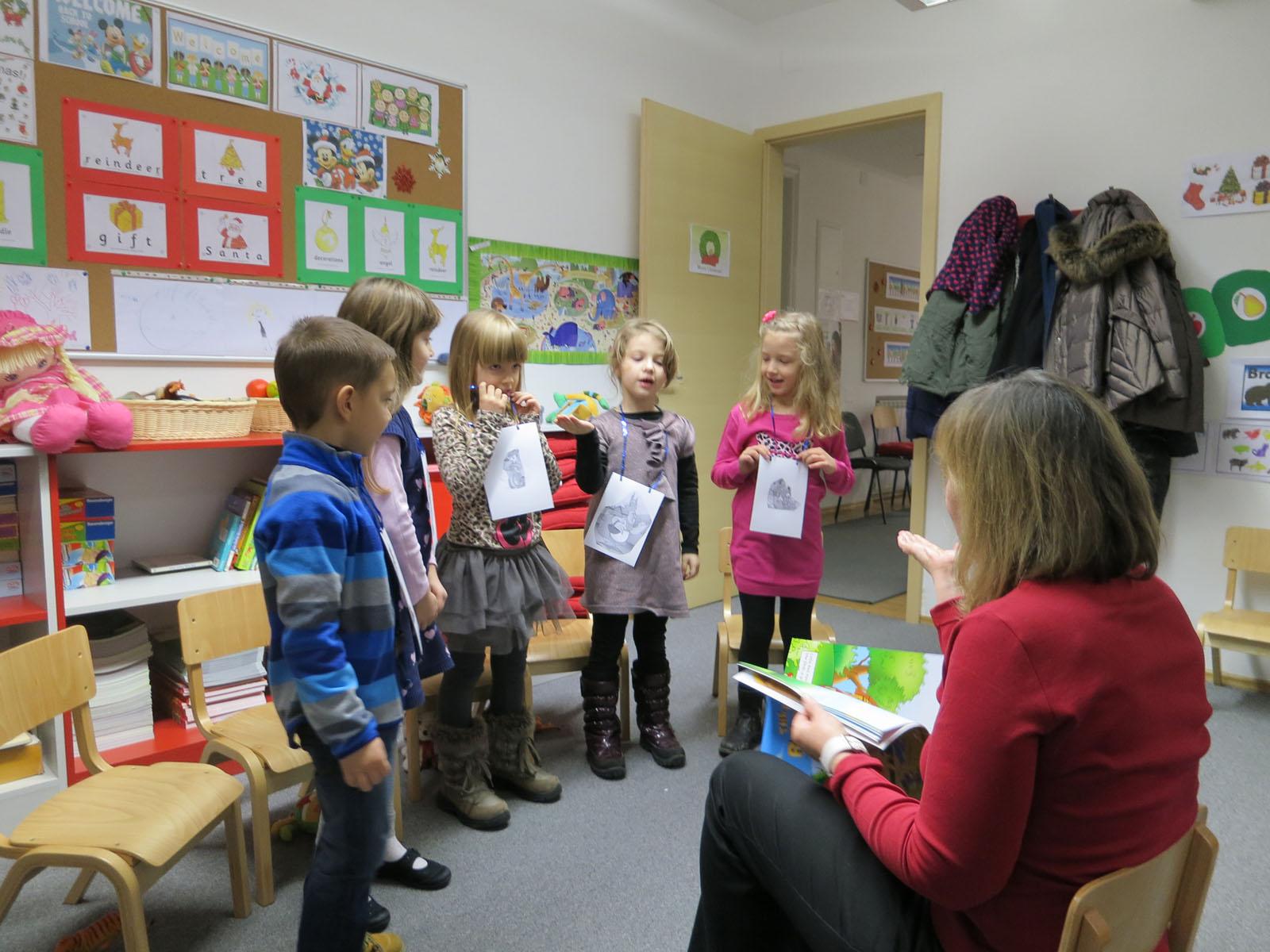 Božićne priredbe u Čarobnoj riječi – naši najmlađi đaci u akciji